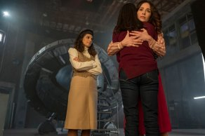 """TIMELESS -- """"The Day Reagan Was Shot"""" Episode 208 -- Pictured: (l-r) Claudia Doumit as Jiya, Abigail Spencer as Lucy Preston, Sakina Jaffery as Denise Christopher -- (Photo by: Ron Batzdorff/NBC)"""